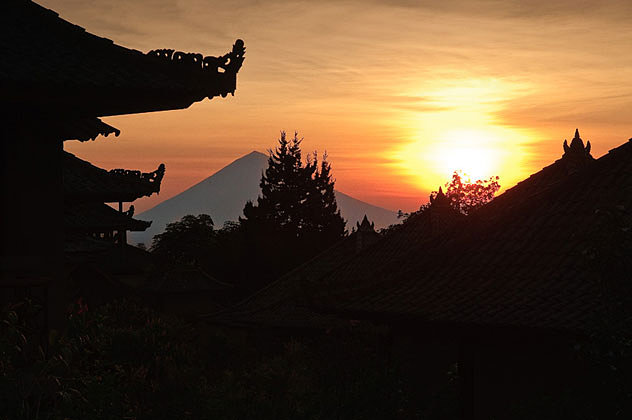 Sunrise and Mt. Agung from Strawberry